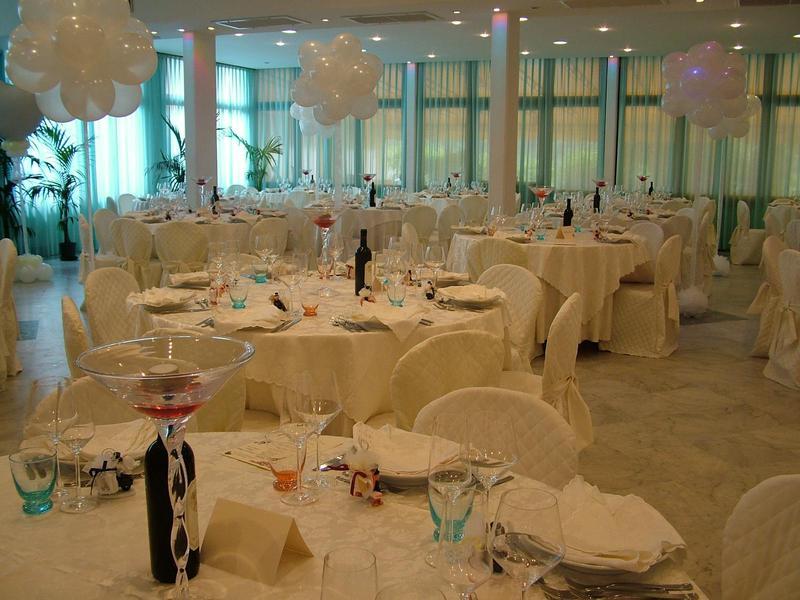 Decorazioni Sala Laurea : Decorazioni sala ristorante: il ristorante. decorazioni in sala